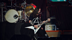 Diversity Guitar: Doritos's Rainbow & AlmapBBDO